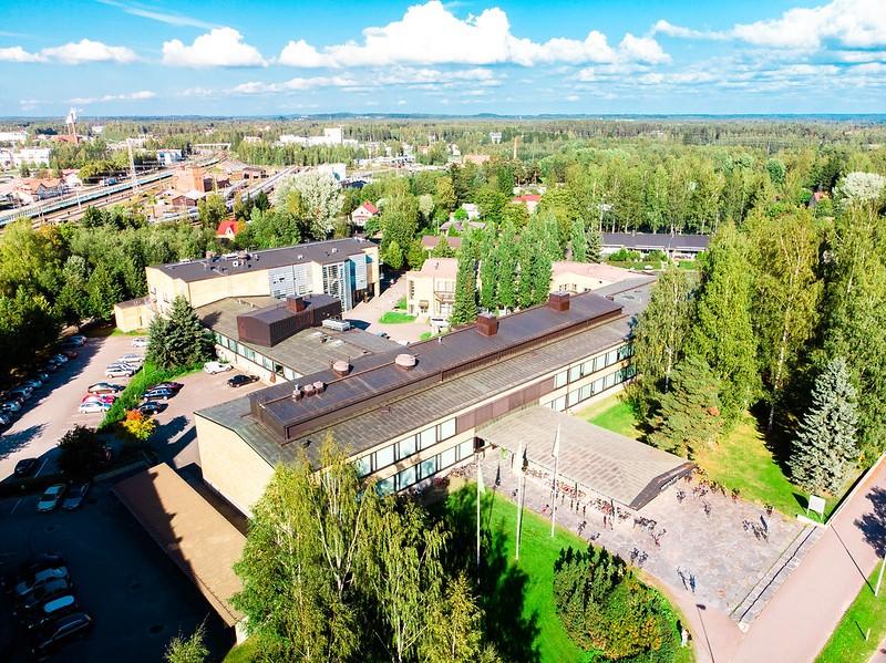 Kareliakoulun ilmakuva